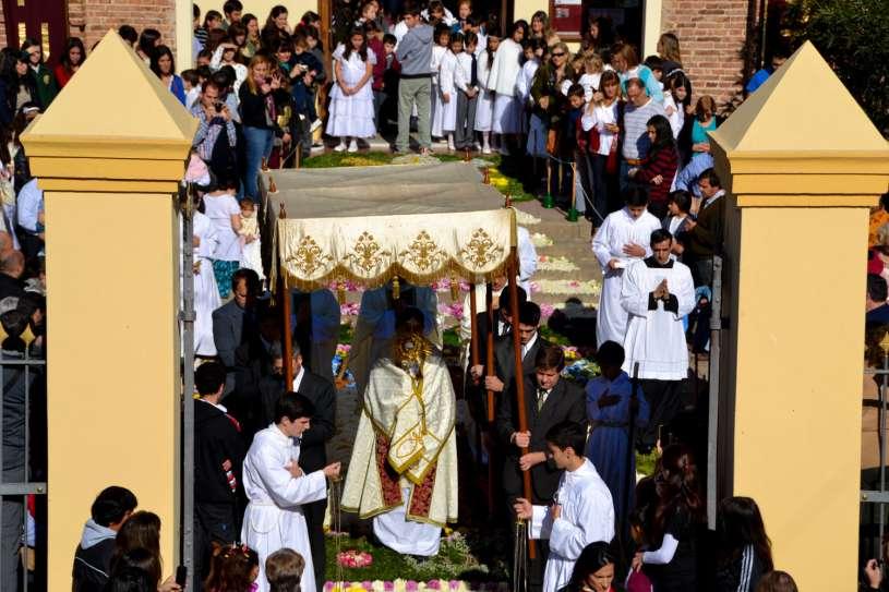 Corpus-Christi-Infiorata-Villa-Elisa-26