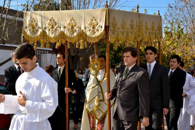 Corpus-Christi-Infiorata-Villa-Elisa-28