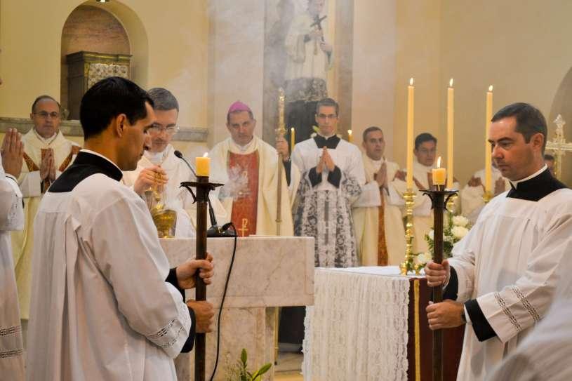 ordenacion-sacerdotal-p.juan-de-dios05