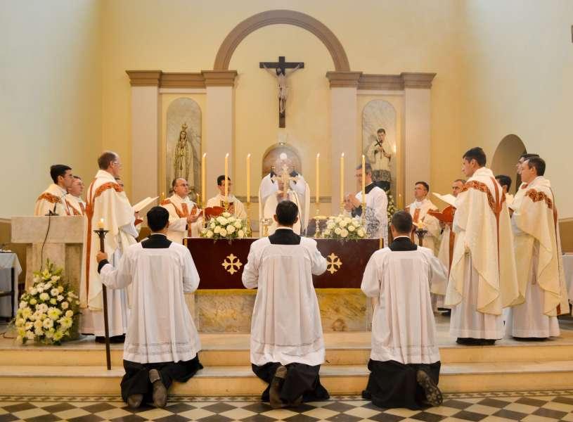 ordenacion-sacerdotal-p.juan-de-dios24