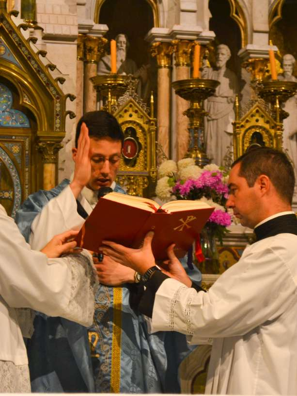 ordenacion-sacerdotal-p.juan-de-dios81