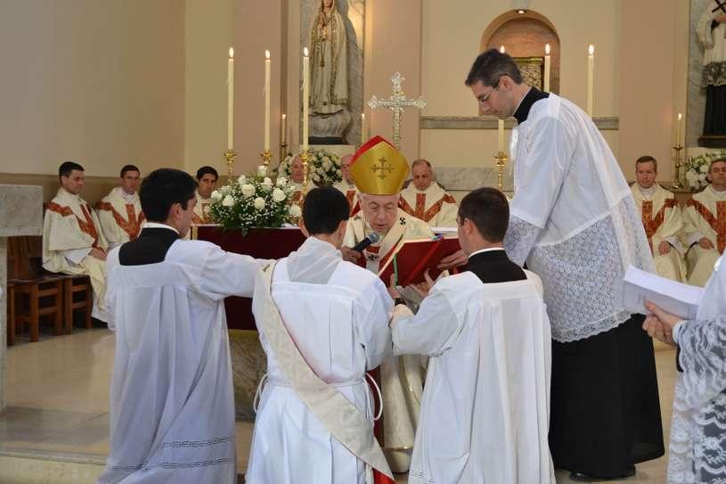 ordenaciones sacerdotales villa elisa 2013_06