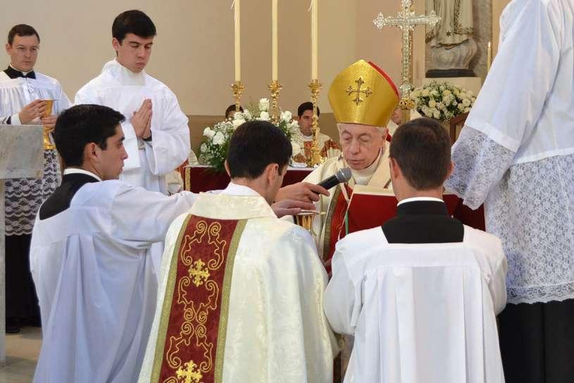 ordenaciones sacerdotales villa elisa 2013_15